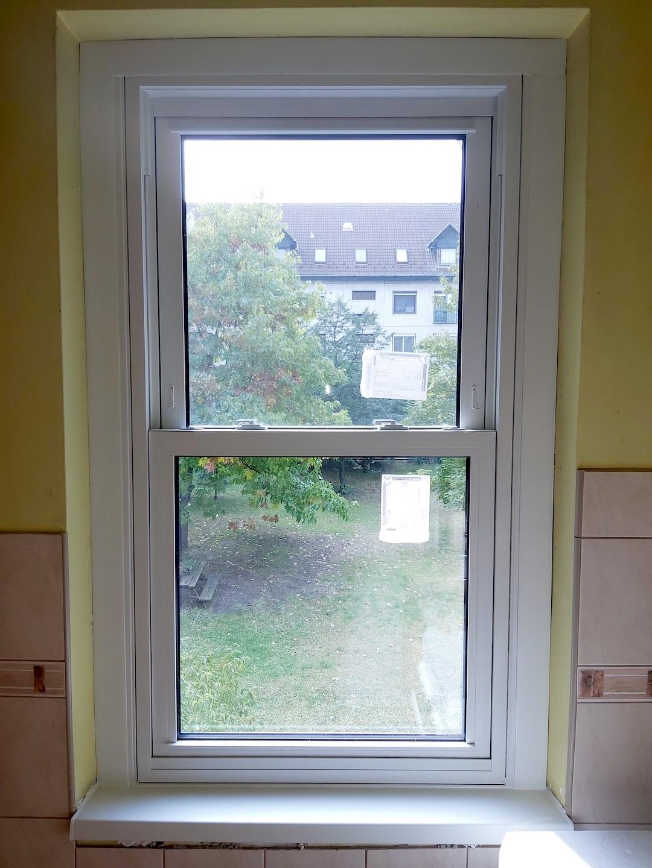 emelő paneles ablak beépítése
