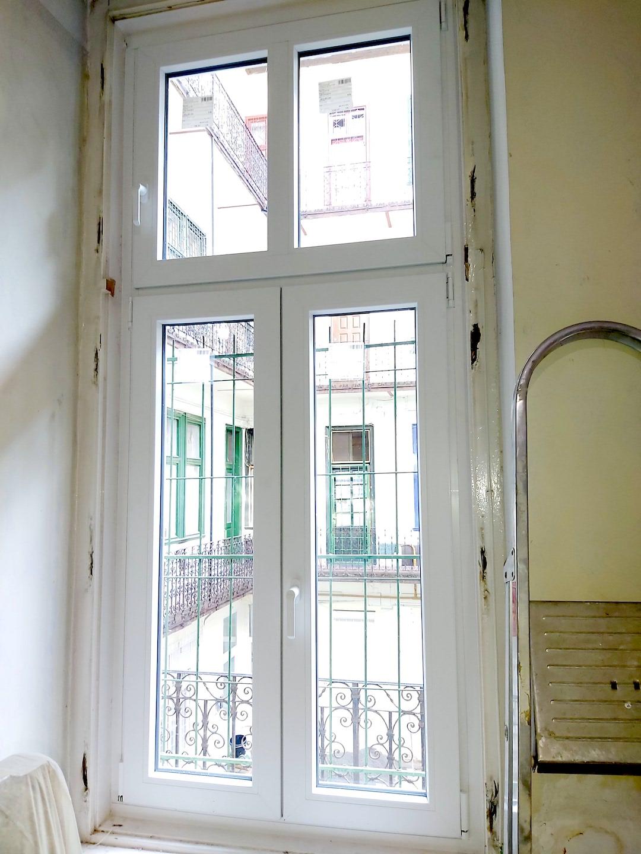 műanyag ablak tokbeépítéssel